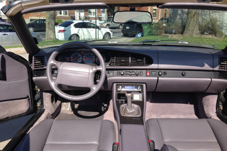 968  Cabriolet - Main interior photo