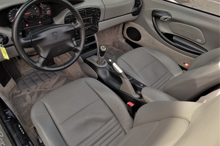 Porsche Boxster 986 (2.7) 162kW-version, 2000 - Primary interior photo