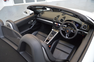 Porsche 718 Boxster S Turbo 2.5, 2017 - Primary interior photo