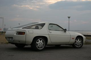 928 4.5 169kW-version - Main exterior photo