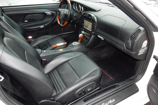 Porsche 911 996 Turbo Coupé, 2004 - Primary interior photo