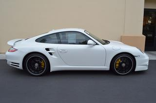 Porsche 911 997 Turbo S Coupé, 2012 - Primary exterior photo