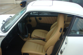 911 964 Carrera 2 Coupé - Main interior photo