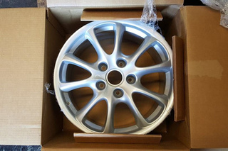 GT3 Front Wheel 996 362 136 05 - Primary photo