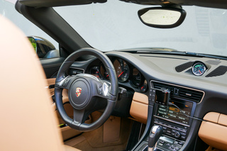 911 991 Carrera 4S Turbo 3.0 Cabriolet - Main interior photo