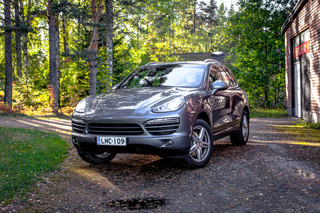 Porsche Cayenne 958.1 Diesel (Turbo 3.0) 180kW-version, 2013 - Primary exterior photo