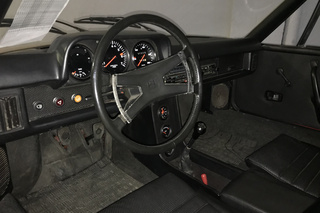 914 /4 2.0 74kW-version - Main interior photo