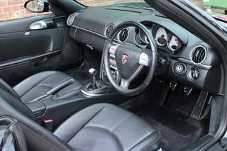 Porsche Boxster 987.1 S 3.2, 2006 - Primary interior photo