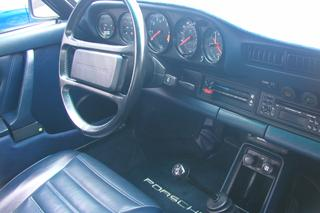 Porsche 911 G-model Carrera 3.2 Targa 152kW-version, 1984 - Primary interior photo