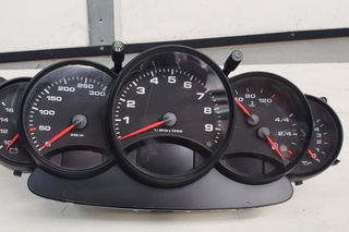 996.641.105.91 - 996 Cup Gauge Cluster 996 641 105 91 - Primary photo