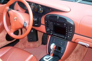 Porsche Boxster 986 (2.7) 168kW-version, 2004 - Primary interior photo