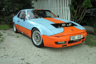 924 S 2.7 prototype - Main exterior photo
