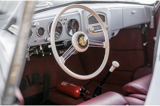 356 pre-A 1100 Coupé - Main interior photo