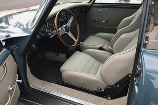 356 A 1300 Coupé - Main interior photo