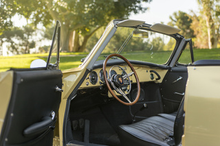 356 C 1600 SC Cabriolet - Main interior photo