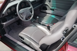 911 993 Carrera Coupé 3.6 210kW-version - Main interior photo