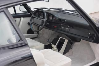 Porsche 911 G-model Carrera 3.2 Club Sport 160kW-version, 1989 - Primary interior photo