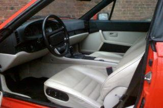 944 S2 Cabriolet - Main interior photo