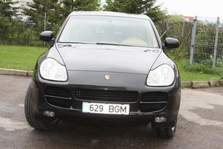 Porsche Cayenne 955 (3.2), 2004 - Primary exterior photo