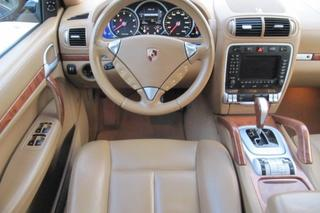 Porsche Cayenne 957 Turbo, 2008 - Primary interior photo