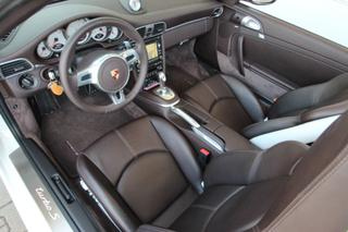 911 997 Turbo S Cabriolet - Main interior photo
