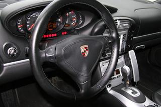 911 996 Carrera 4 Coupé 3.6 - Main interior photo
