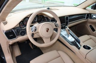Porsche Panamera 970.1 Turbo S 4.8, 2012 - Primary interior photo