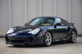 Porsche 911 996 Turbo Coupé, 2001 - Primary exterior photo