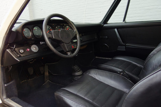912 E  - Main interior photo