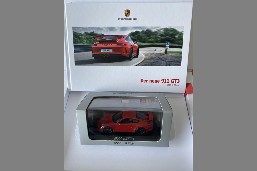 Rare GT3 box with brochure and GT3 model  - #5
