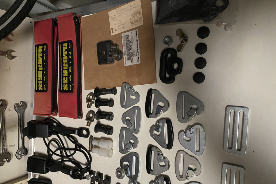 Various GT3(RS) Recaro and Schroth parts.  - #2