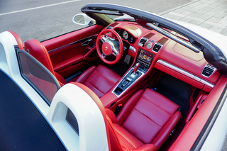 Porsche Boxster 981 S, 2013 - Primary interior photo