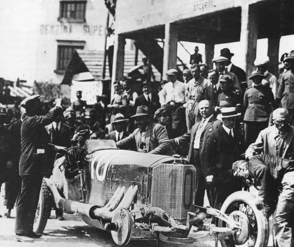 https://photos.stuttcars.info/upload/2011/11/10/1924-targa-florio-2-copyright-unknown.jpg