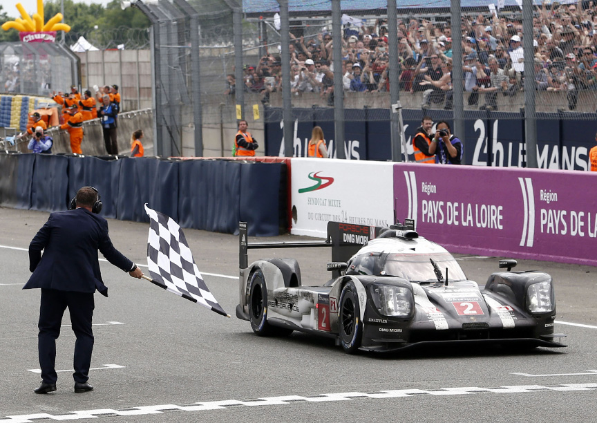 2016 Porsche 919 hybrid Le Mans checkered flag