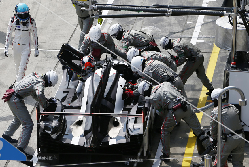 2016 Porsche 919 hybrid, Nürburgring 6 hours, in the pits, driver change
