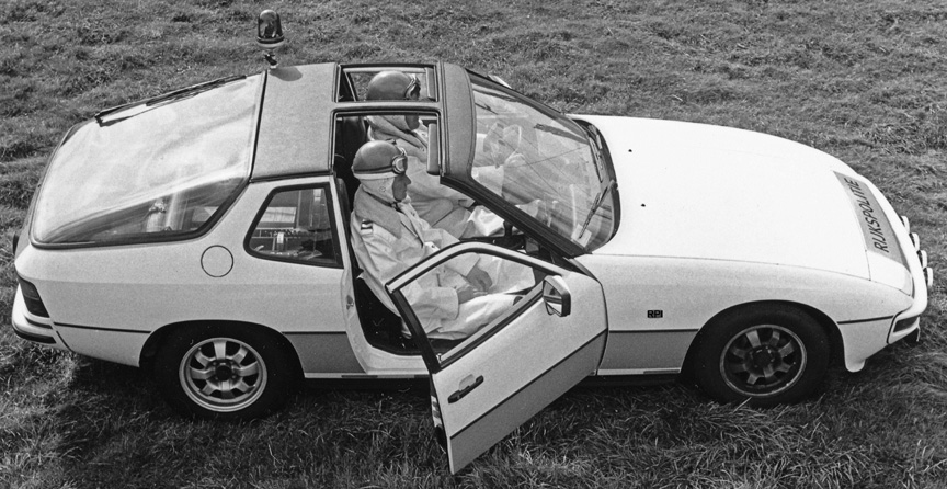 Porsche 924 T-bar roof concept on the 1981 Dutch police car