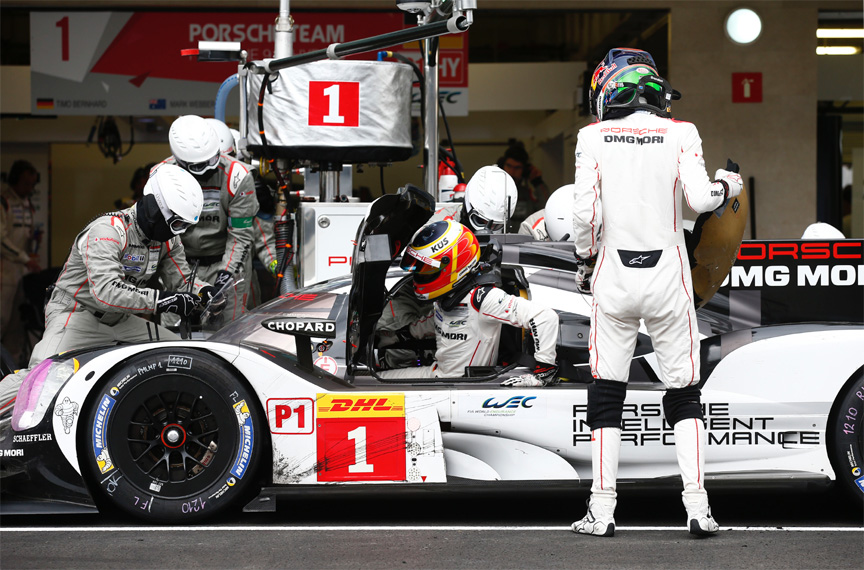 2016 Porsche 919 hybrid, Mexico 6 hours, in the pits, driver change