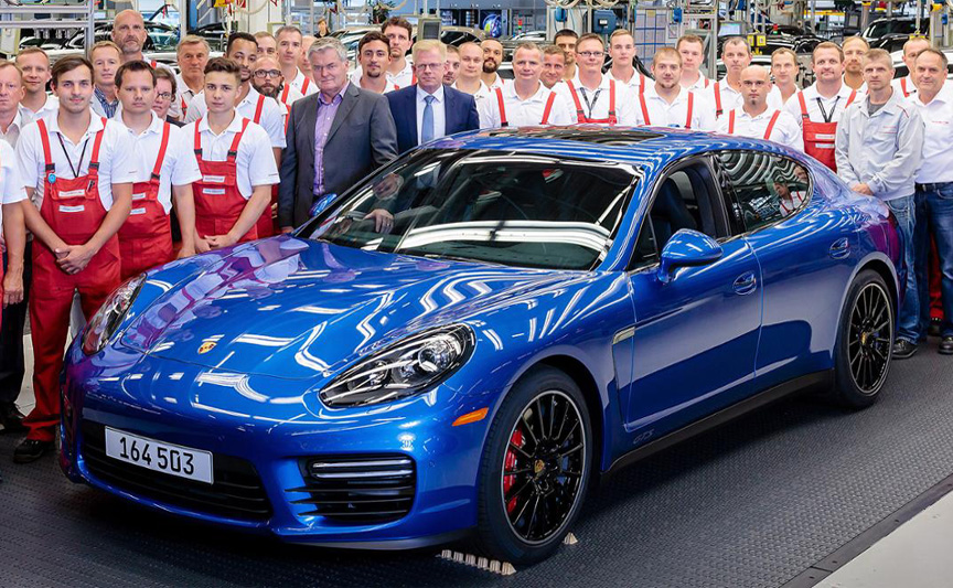 The last Porsche Panamera 970 GTS, blue metallic