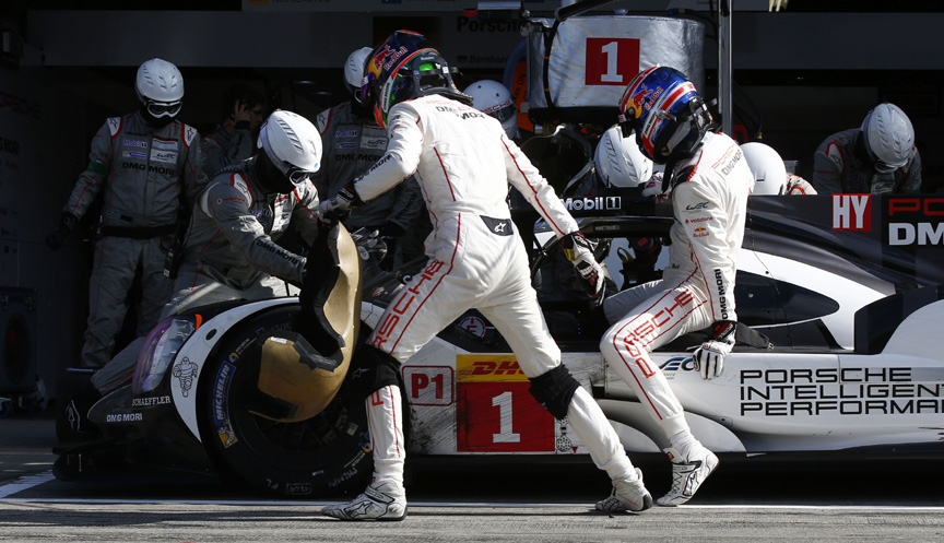 2016 Porsche 919 hybrid, Fuji 6 hours, in the pits, driver change
