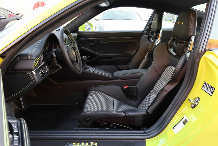 991 R interior view, bucket seat