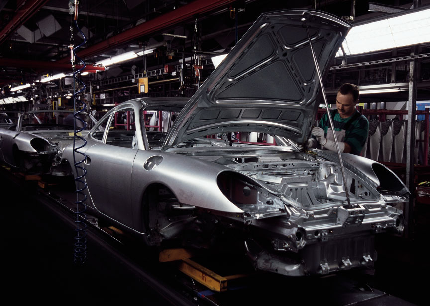 Porsche 911 996 production in Stuttgart Zuffenhausen, body shell, body in white