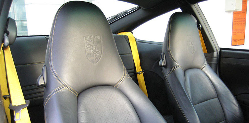 Porsche 911 996 black seats with yellow seams and seat belts
