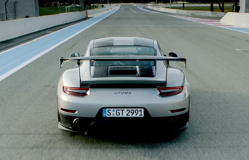 Porsche 911 991 GT2 RS rear view