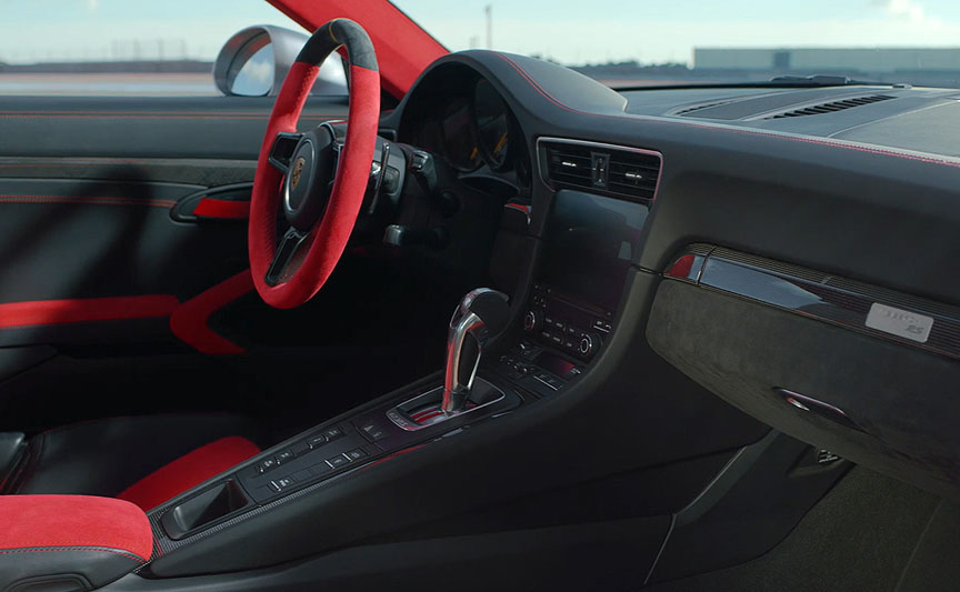 Porsche 911 991 GT2 RS dashboard