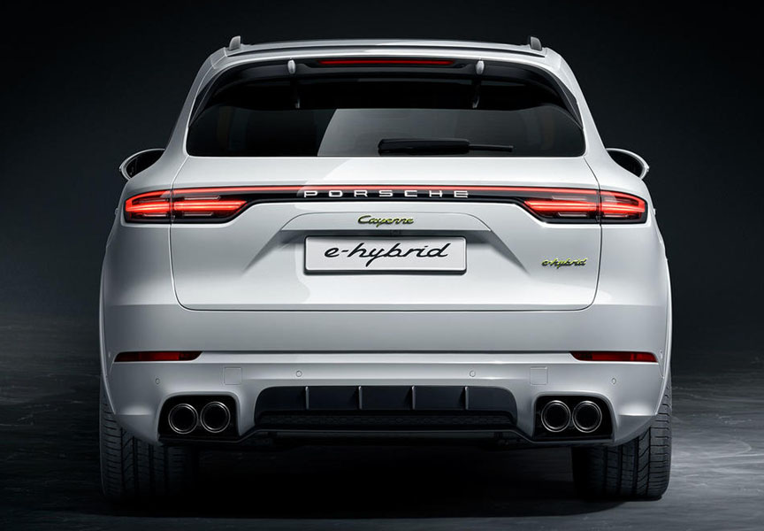 2018/2019 Porsche Cayenne E-hybrid with aerokit and sports exhaust