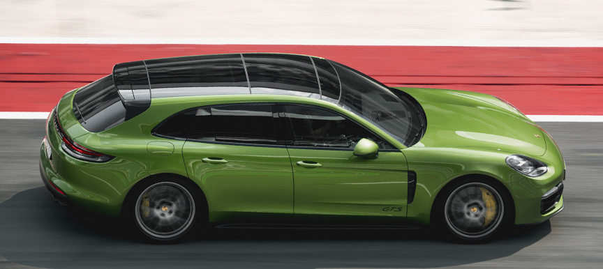 2019 Panamera 971.1 GTS Sport Turismo with panorama roof, side view