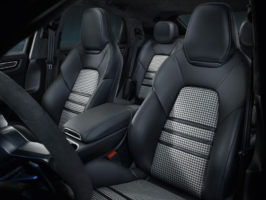 2019/2020 Porsche Cayenne Coupé with cloth seat centres
