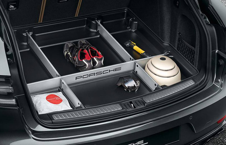 Porsche Macan trunk management system