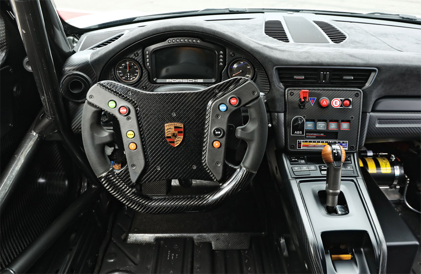 2019 Porsche 935 Tribute dashboard