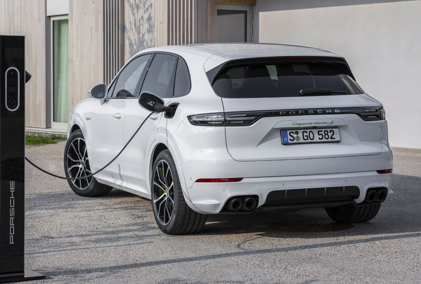 2020 Cayenne Turbo S E-Hybrid charging